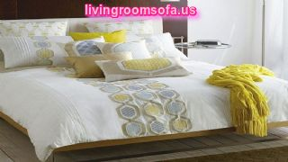 Decorative Bed Pillows For Master Bedroom