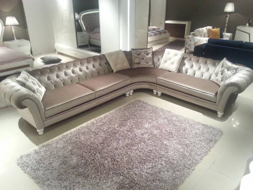 Glossy Silver Chesterfield Corner Sofa Traditional modern Design