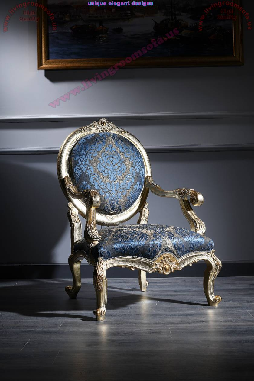 Luxury Classic Armchair Carved and Gold Leaf Varnished