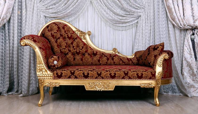 Queen Maria chaise lounge classical curved and carved