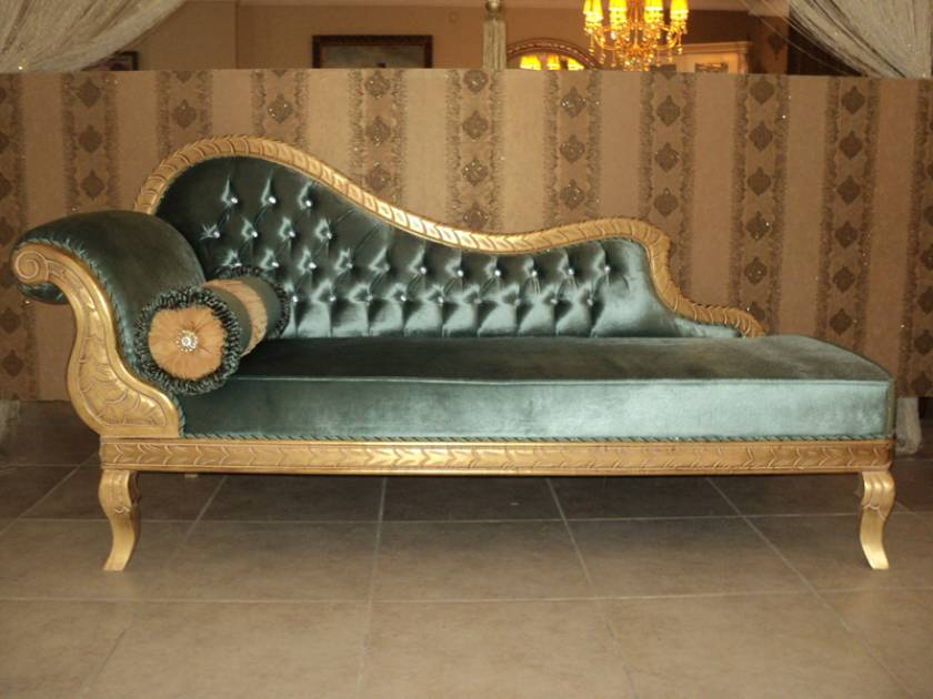 Queen Victoria luxury chaise lounge luxury interior designs