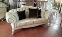 avantgarde chesterfield couch design