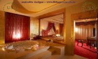 honeymoon bedroom design with jacuzzi hotel room