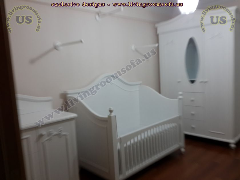 white baby room design idea